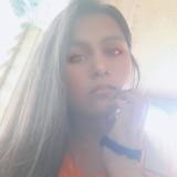 Se Ynia Menzy, 21  , Mahayag