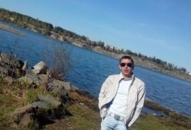 Vofka, 33 - Just Me