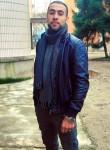 Ezzat, 18, Milano