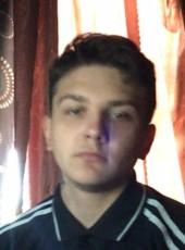 Vlad, 18, Belarus, Navahrudak