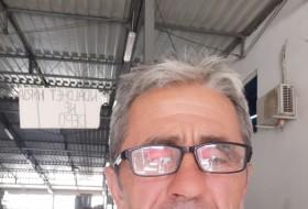 Tefaa, 44 - Just Me