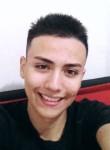 Daniel, 19  , Medellin