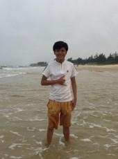 Trung, 21, Vietnam, Hue