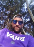 Kahn, 31  , Pilas