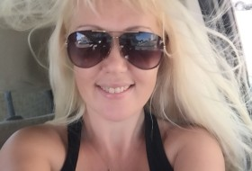 Larisa, 40 - Just Me