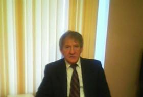 Oleg, 65 - Just Me