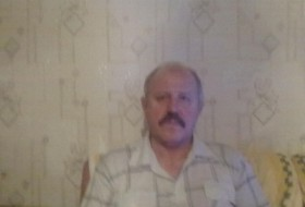 Vladimir, 66 - Just Me