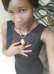 Audrey, 19  , Douala