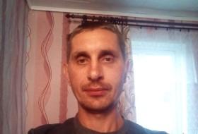 Aleksandr , 37 - Just Me