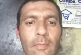 Óscar De Leon, 45 - Just Me
