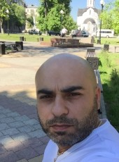 Aram, 38, United States of America, Van Nuys