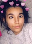 amélia, 19  , Limeil-Brevannes