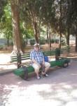 Aleksandr , 72  , Rostov-na-Donu
