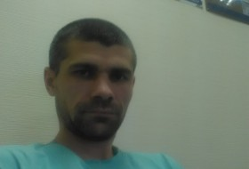 Vladimir, 40 - Just Me
