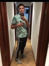 Max, 19, Spain, Madrid