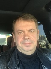 Vitaliy, 51, Russia, Moscow