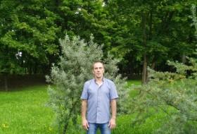 Vitaliy, 44 - Just Me