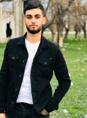 Remzi Köroğlu , 21, Turkey, Mustafakemalpasa