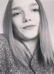 chloe, 19  , Vitre
