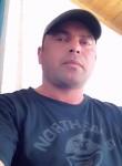 ramzi, 42  , Midoun