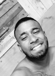 michael angell, 24  , Mahebourg