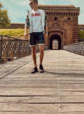 Lars, 20, Germany, Germersheim