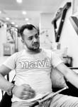 Hüseyin, 21, Istanbul