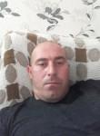 Ilo, 33  , Tbilisi