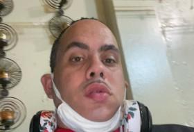 Manuel , 37 - Just Me