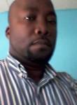 Gilove, 42  , Libreville