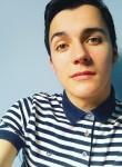 Gabriel, 21  , Nogent-le-Rotrou