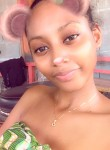 Holviine, 21  , Mamoudzou