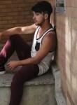 Zach, 18  , Montreal