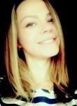 Polina, 19  , Chernihiv