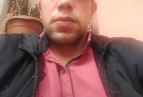 Gökhan , 30 - Just Me