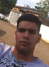 Elemar, 23, Brazil, Chapeco