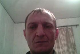 vova, 45 - Just Me