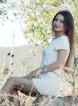 Tania, 24  , Madrid