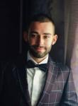 Maksik, 25  , Korets