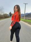 Daniela , 24  , San Salvador