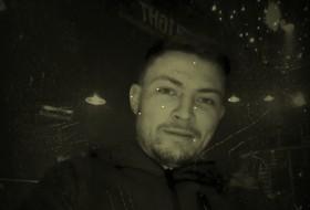 Igor, 31 - Just Me