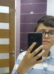 Aziz, 18  , Monastir