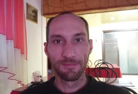 Denis, 46 - Just Me