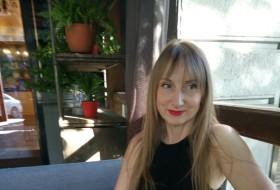 Lina, 49 - Just Me