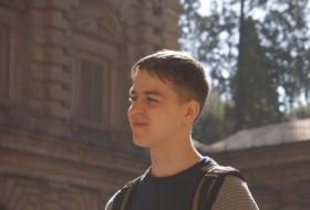 Ilya, 25 - Just Me
