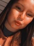 Emily, 19  , Clinton (State of Iowa)