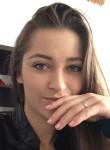Marieelisa, 23  , Franceville
