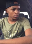 Justin, 20  , Paramaribo