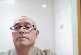 Julio, 60 - Just Me