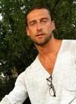Jonathan Rouss, 42  , Bordeaux